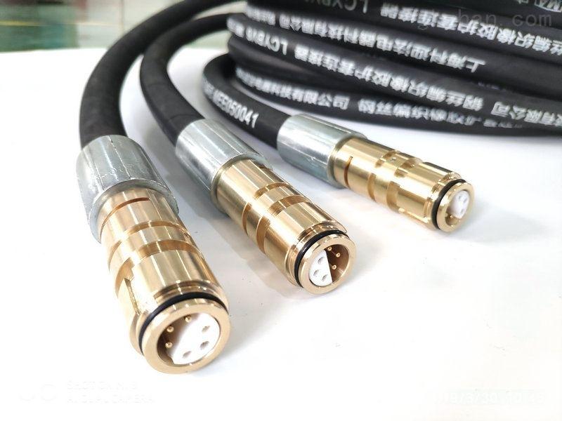 钢丝编织橡胶6K型护套连接器是我们电子工程技术人员经常接触的一种部件。其作用比较简单:在电路块或防护电路中间,设定通讯桥,使电流量流动性,电路做到预估的作用。
