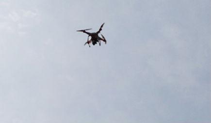 在使用植保无人机时如何提升喷洒农药的效率?
